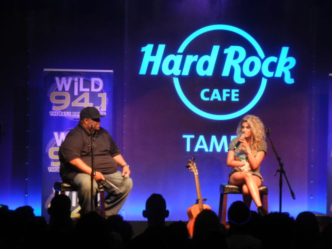 Tampa Bay's Wild 94.1 adapts to music's shifts, but keeps a steady beat